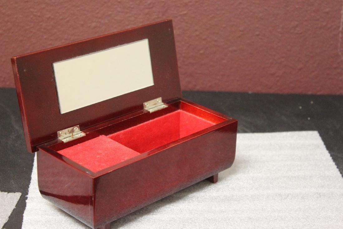 An Oriental Music Jewelry Box