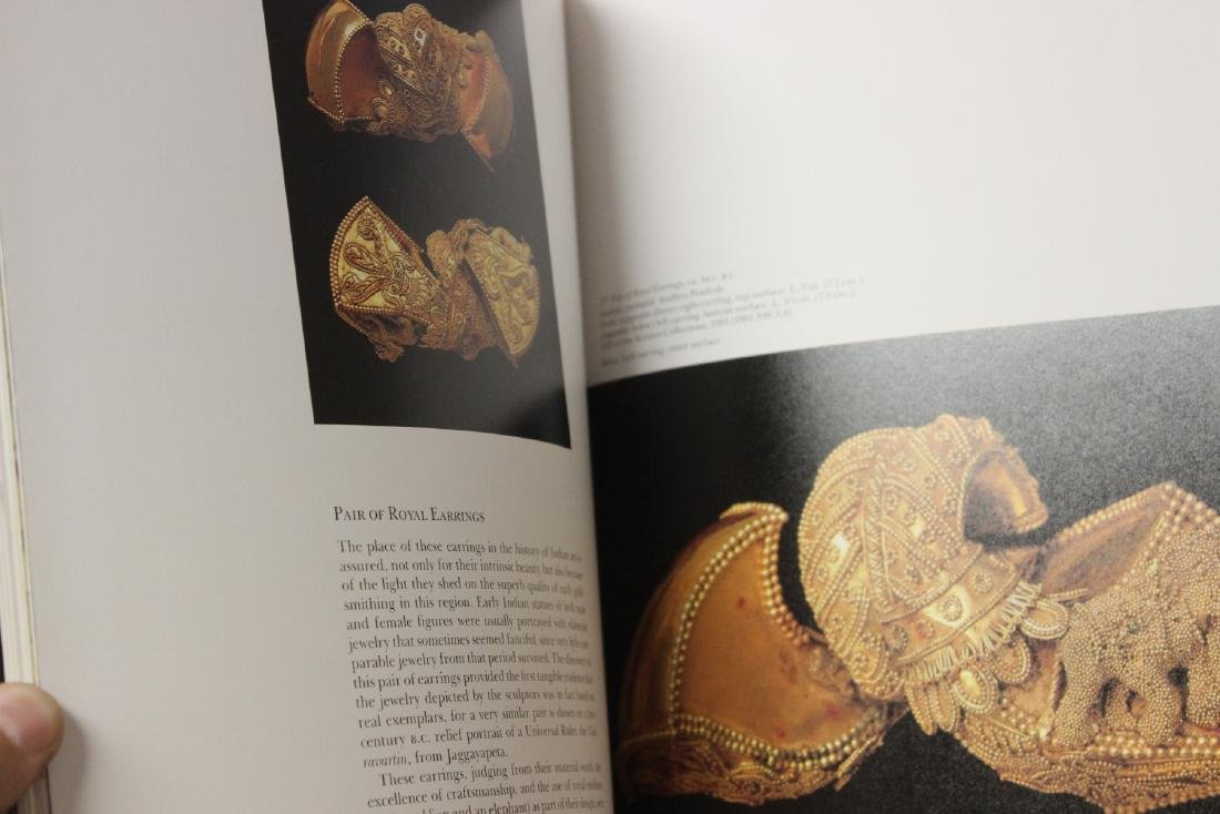 A Hardcover Book on Japanese and Asian Antiques - 9