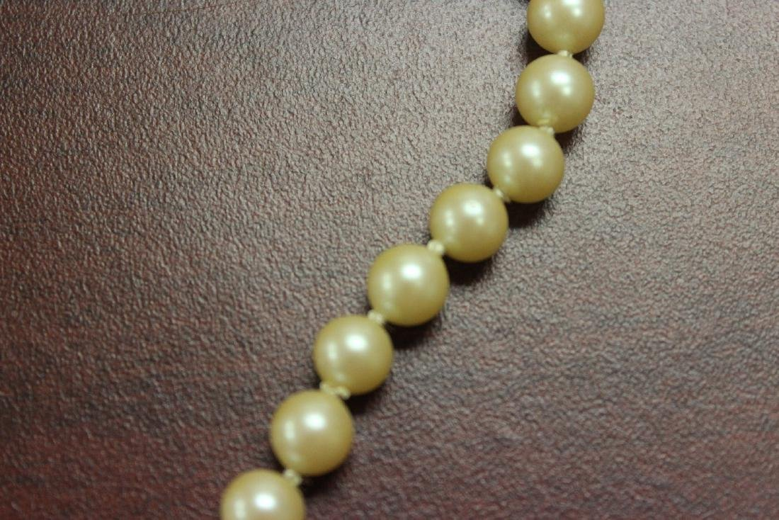 A 14Kt Gold Clasped Pearl Necklace - 4