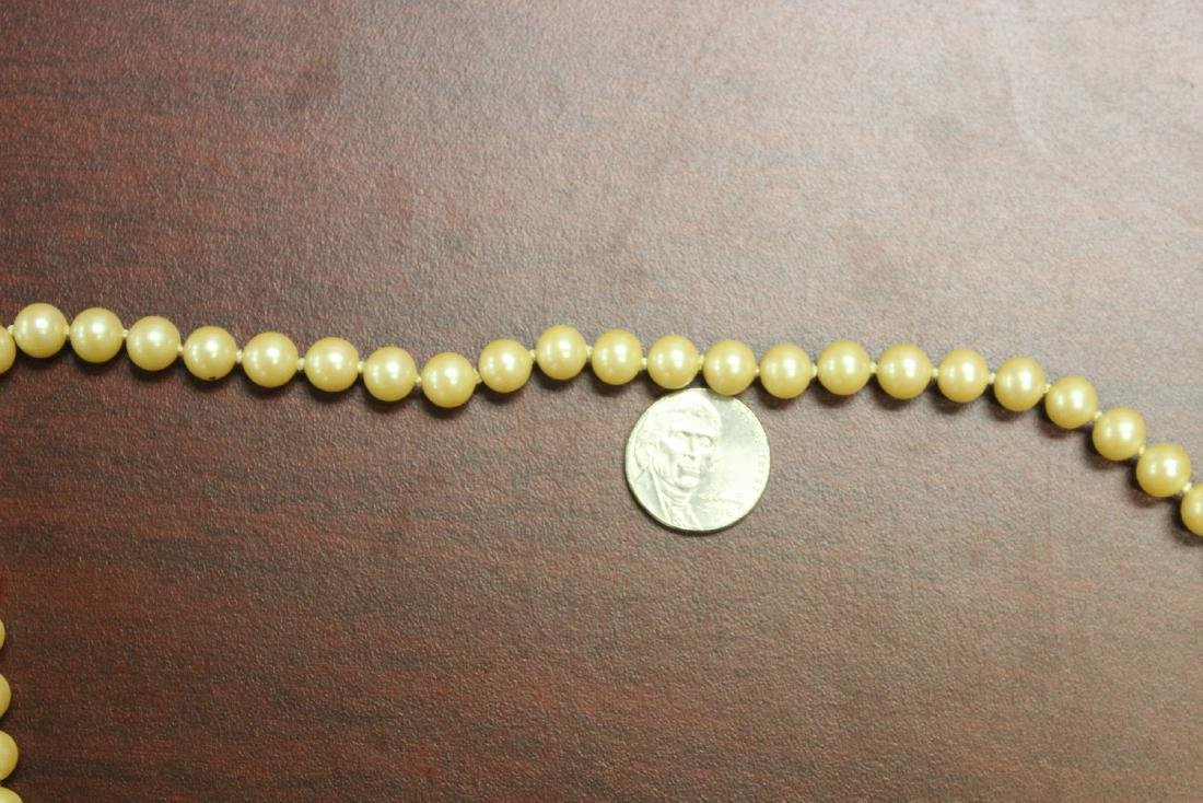 A 14Kt Gold Clasped Pearl Necklace - 7