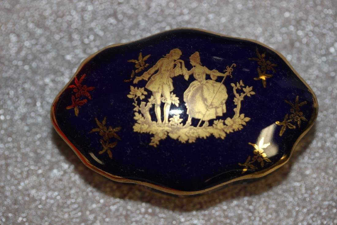 A Romantic Gold Gilted Limoge Trinket Box