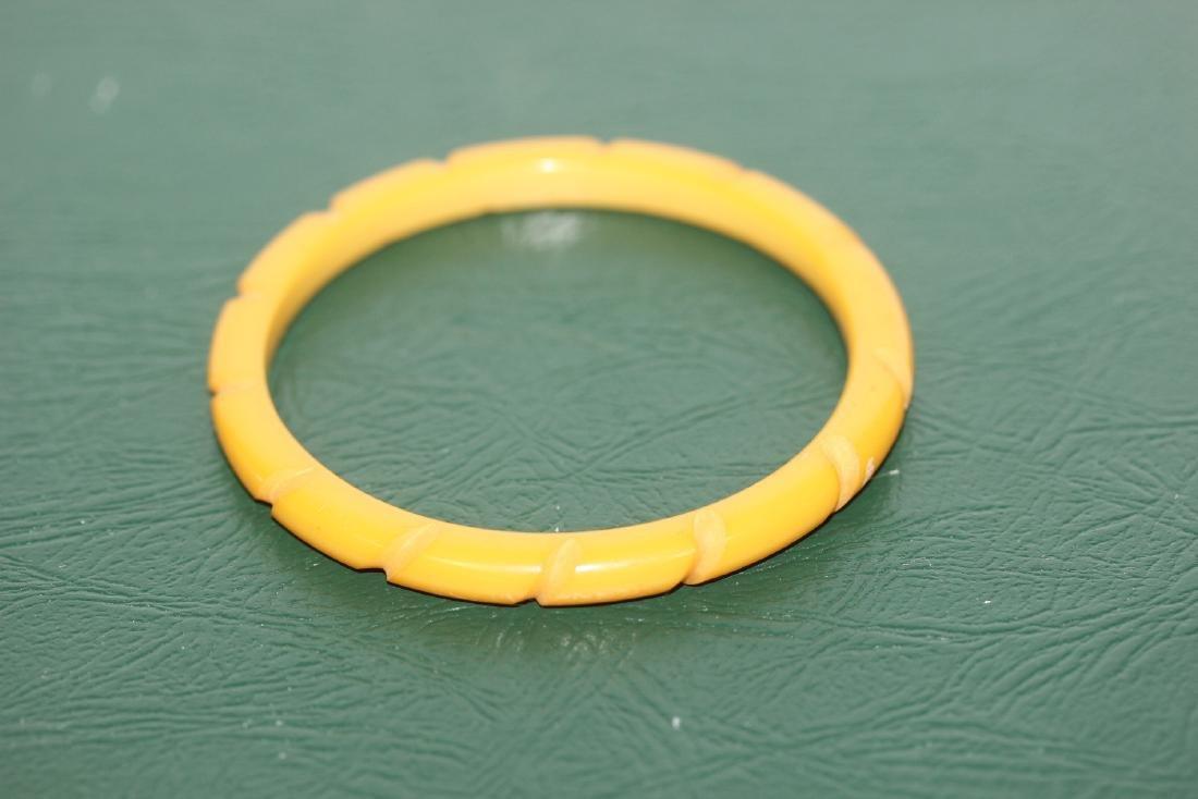 A Vintage Bakelite Bangle Bracelet