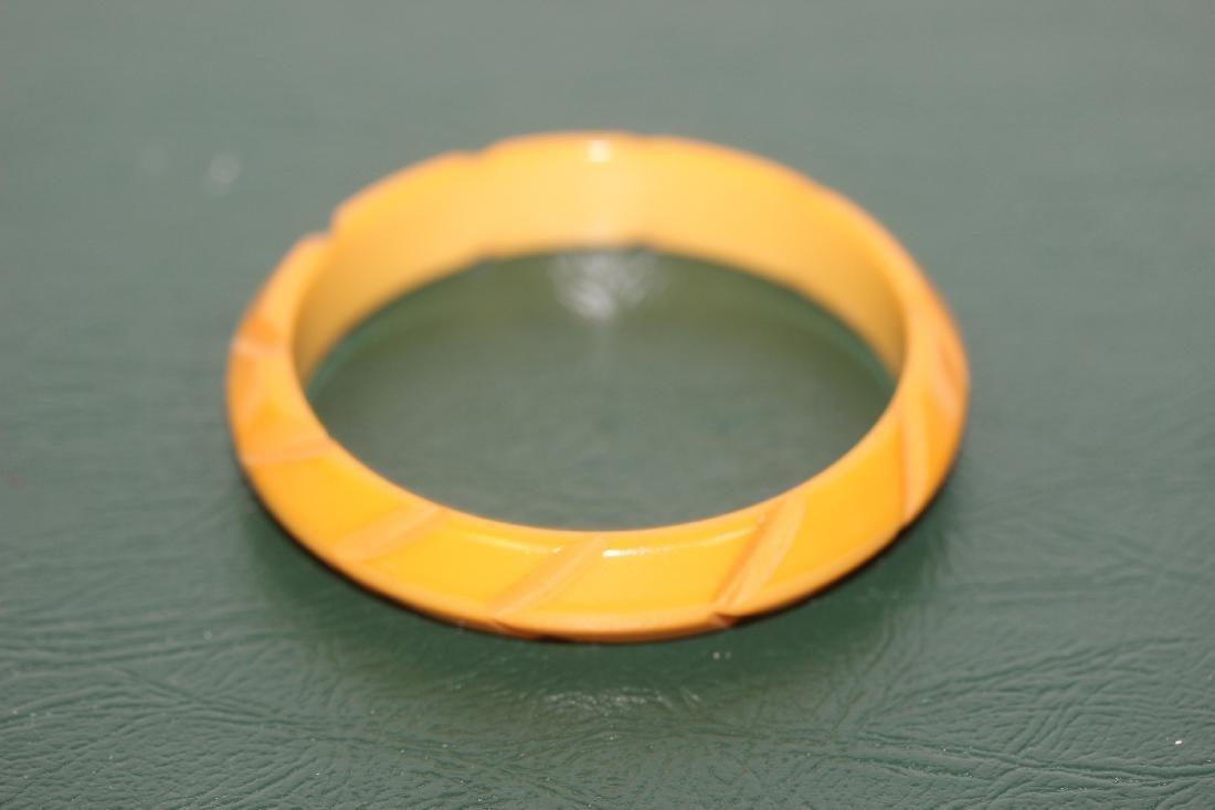 A Bakelite Bangle Bracelet