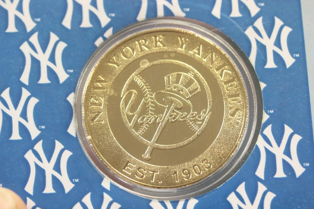 A Yankee Stadium Commemorative Coin - 4