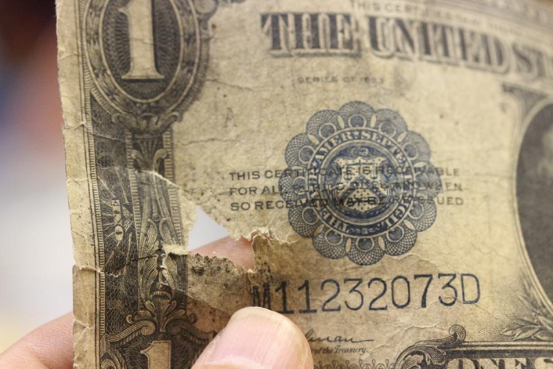 A 1923 One Dollar Note - 3