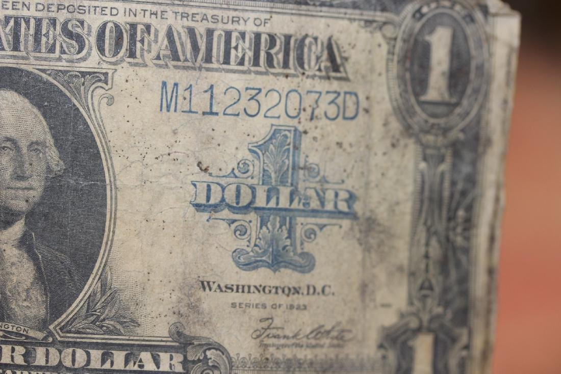A 1923 One Dollar Note - 5