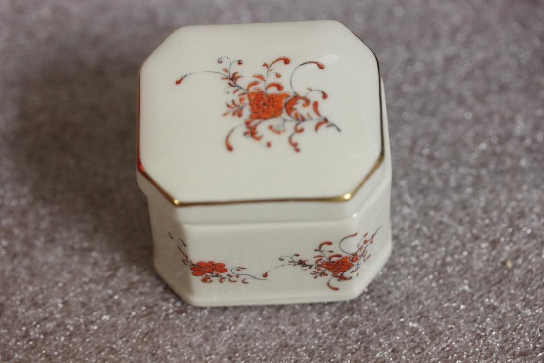 A Porcelain Trinket Box