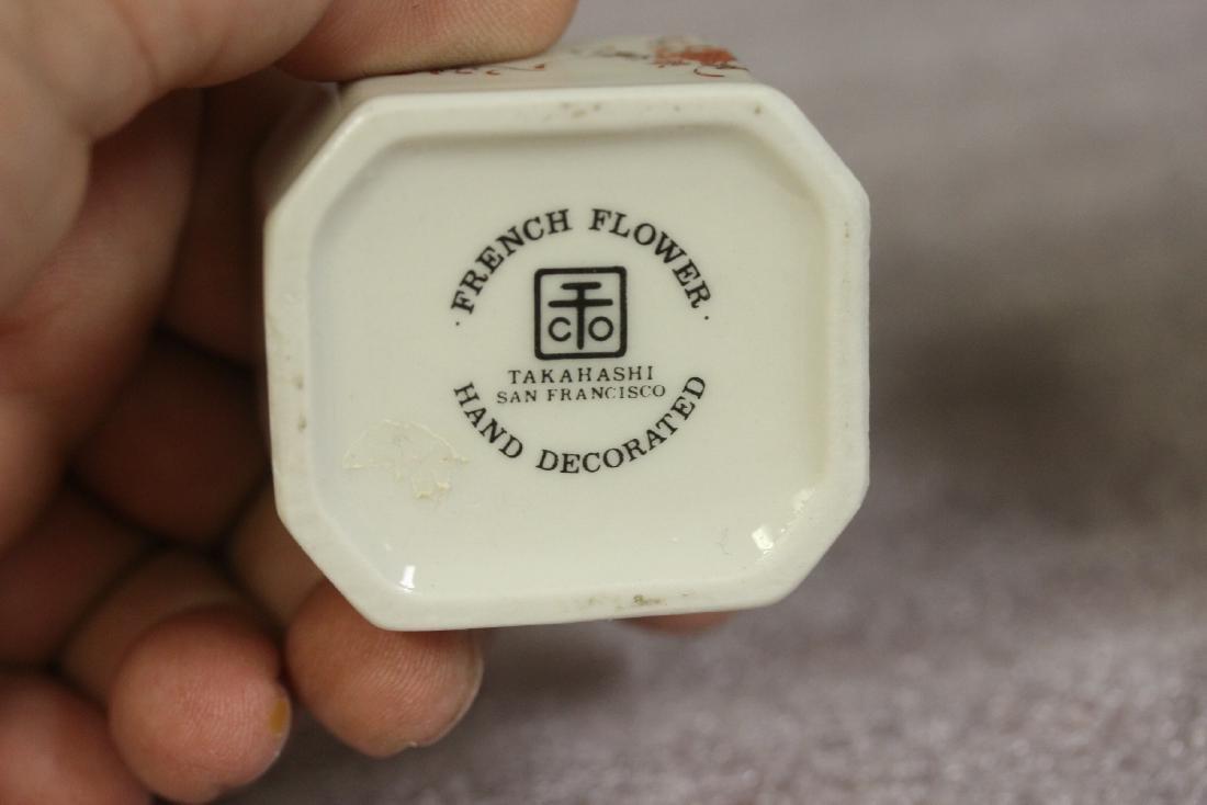 A Porcelain Trinket Box - 7