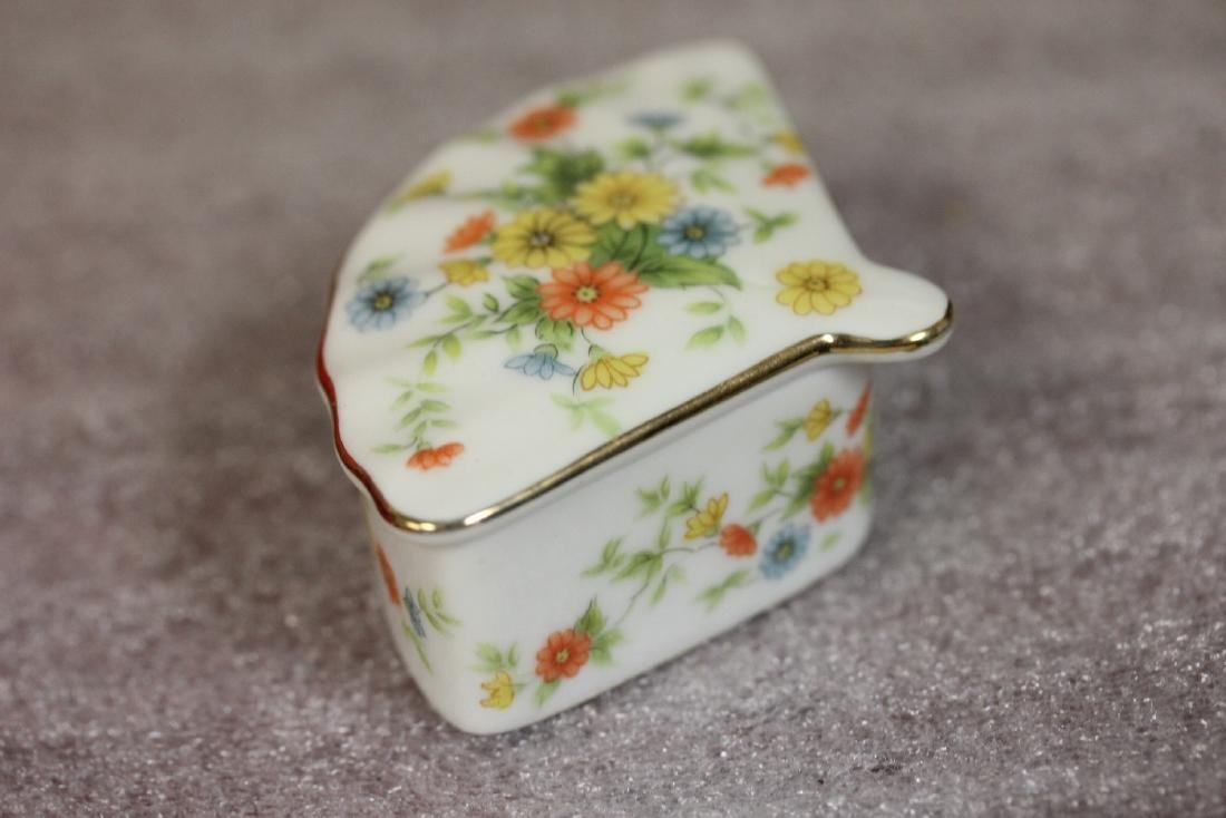 A Fan Shape Lefton Trinket Box - 2
