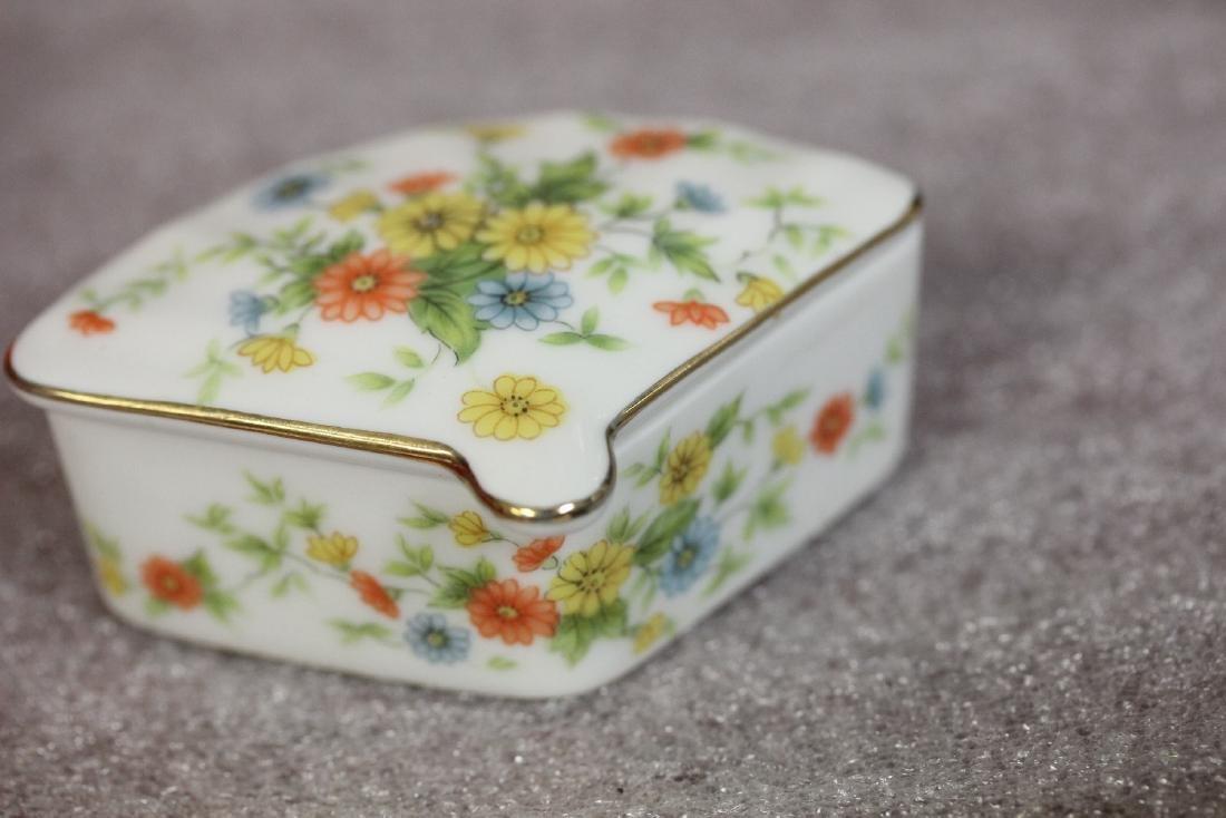 A Fan Shape Lefton Trinket Box - 3