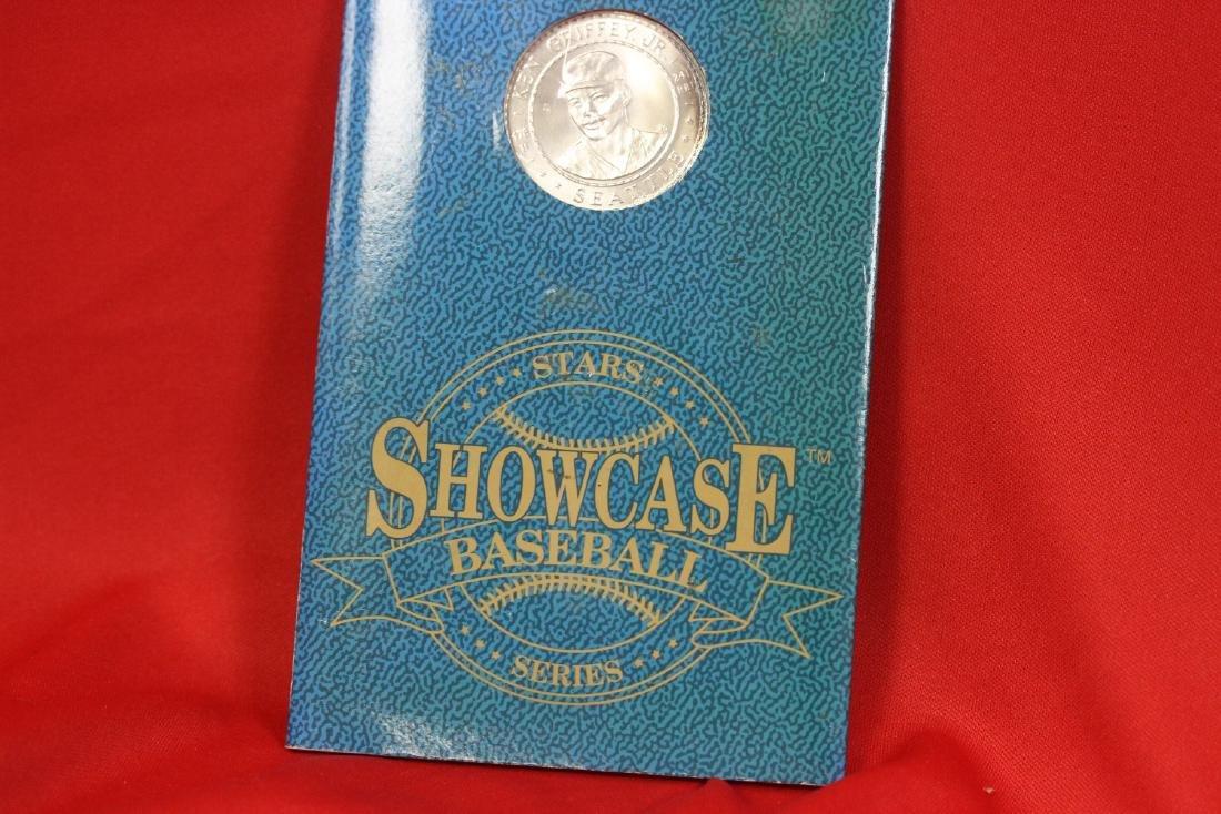 Showcase Baseball Series .999 Pure Silver Coin