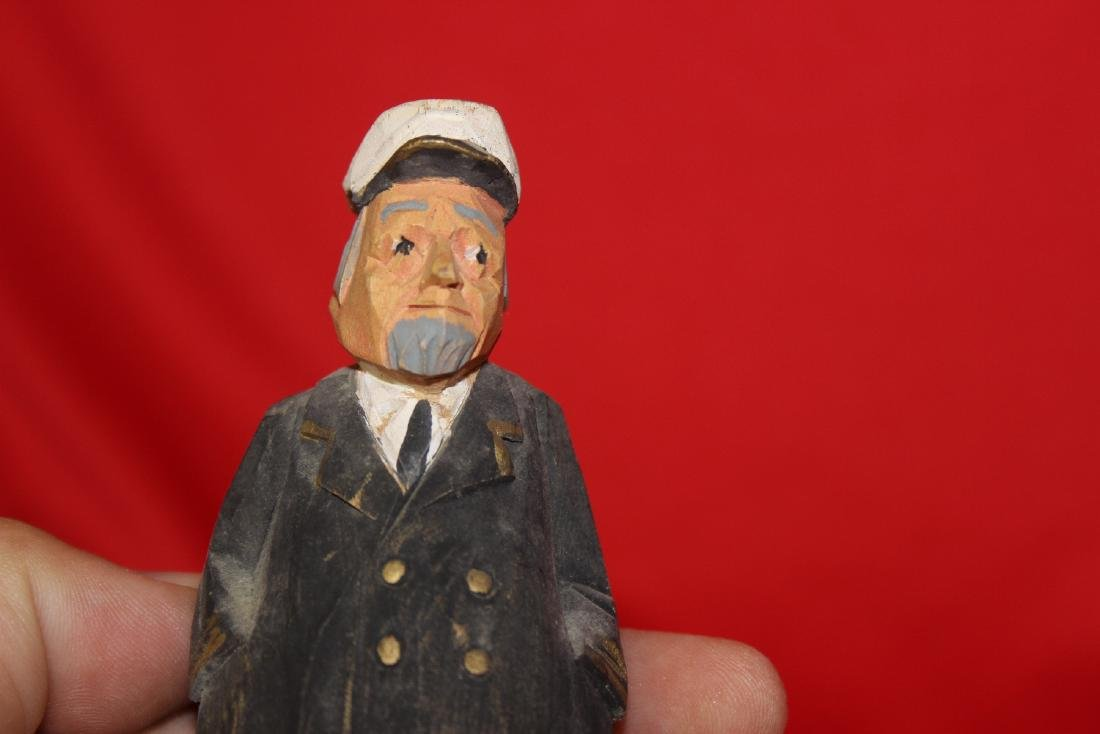 A Carved Figure of a Captain - 6