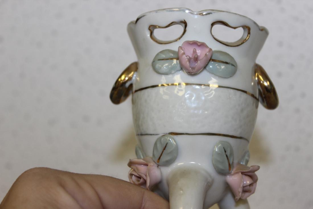 A Vintage Ceramic Urn - 2