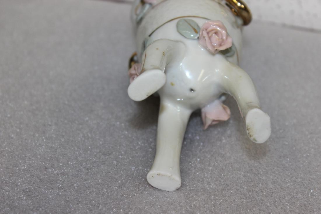 A Vintage Ceramic Urn - 3