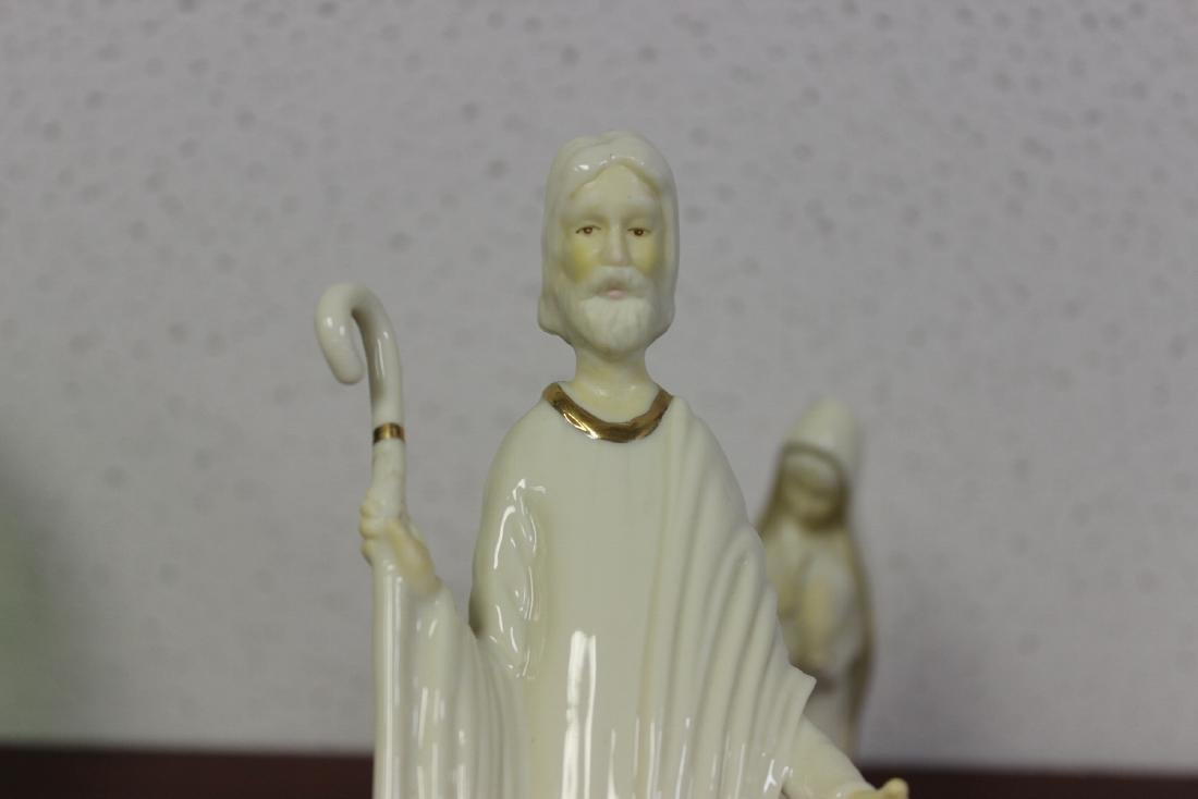 Lot of Two Figurines - 2
