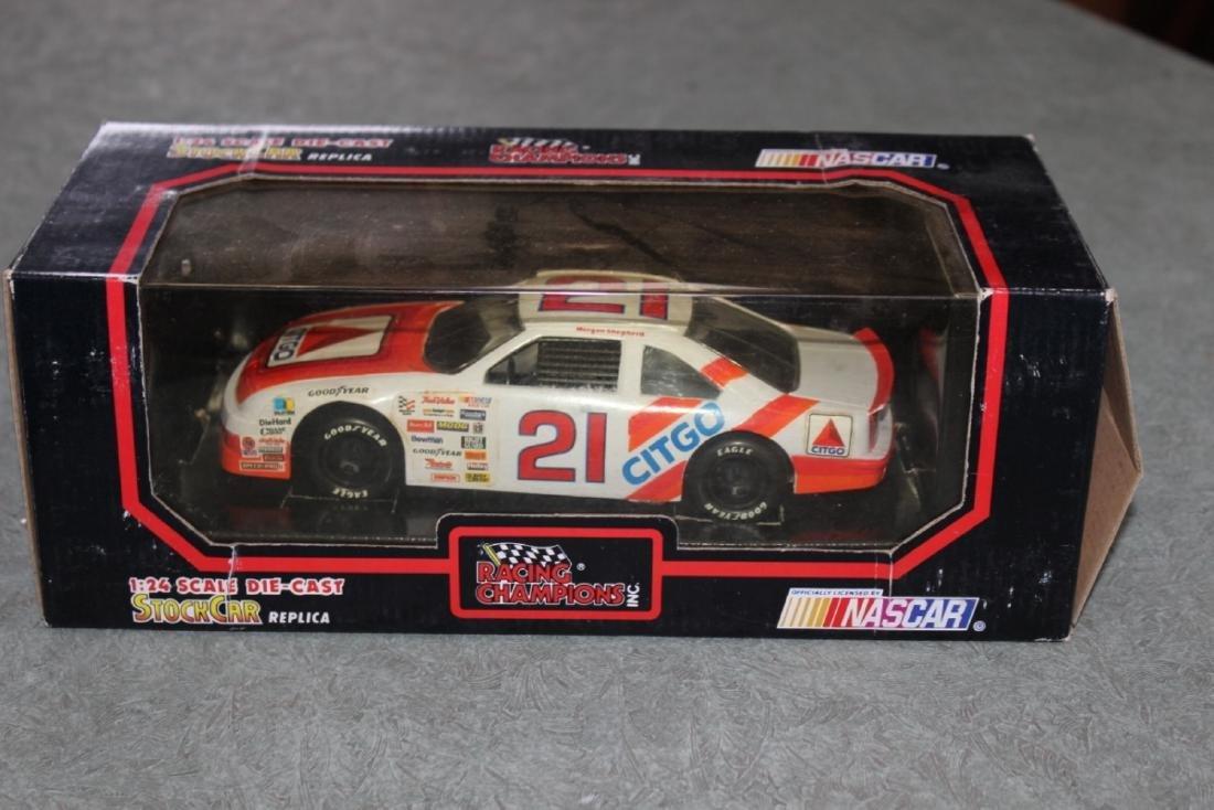 Die Cast Car Model - #21 Morgan Shepherd