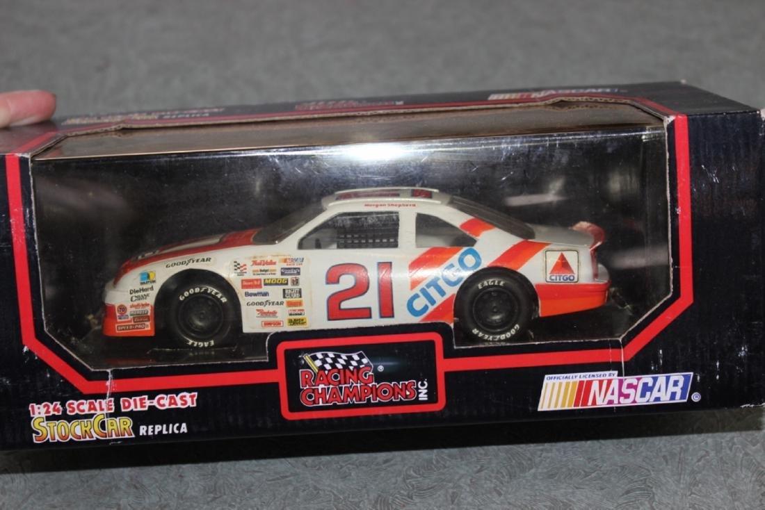 Die Cast Car Model - #21 Morgan Shepherd - 4