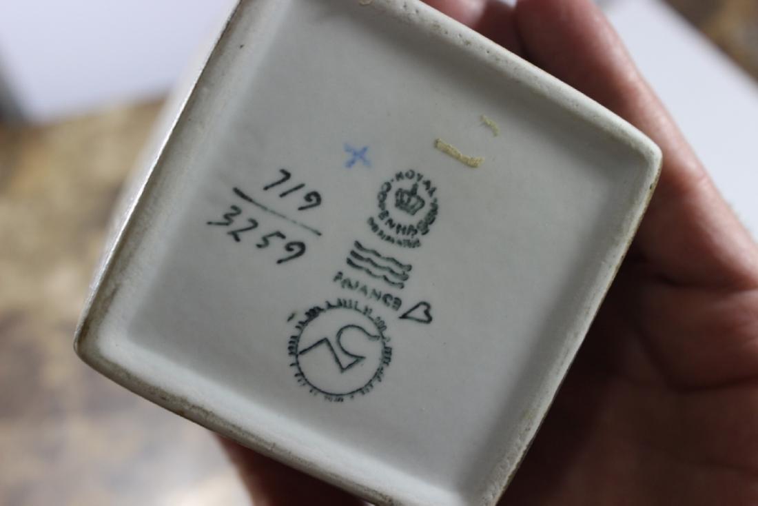 A Vintage Royal Copenhagen Vase - 6