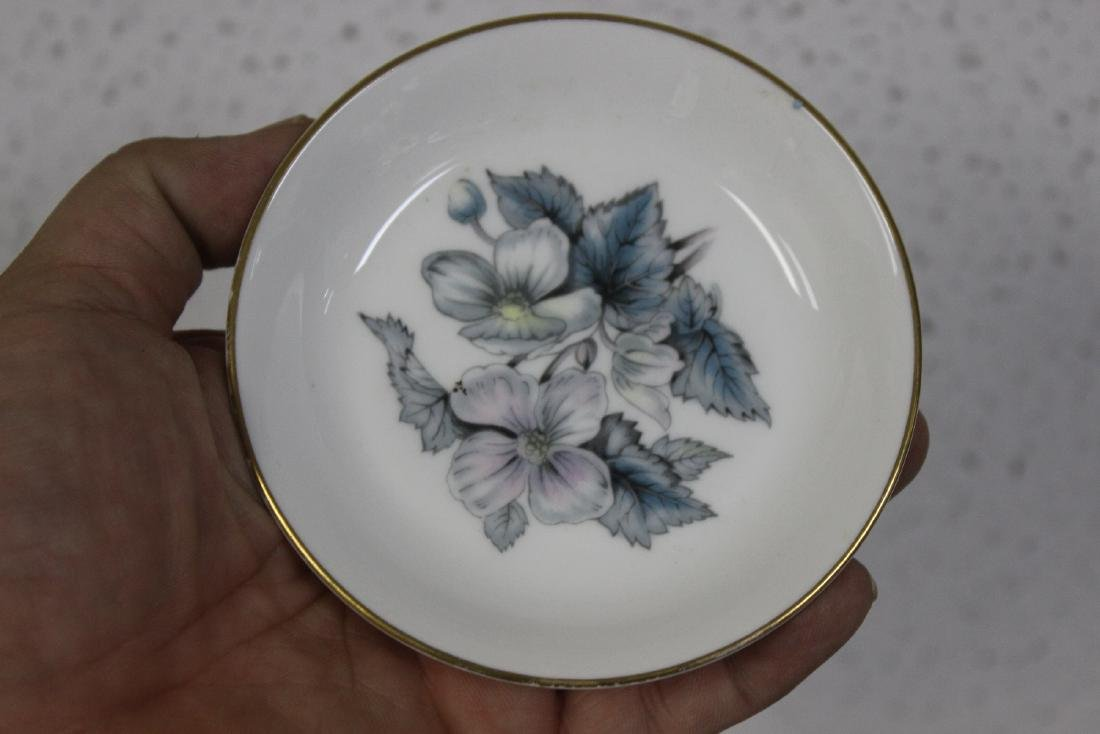 A Royal Worcester Bone China Dishes - 3