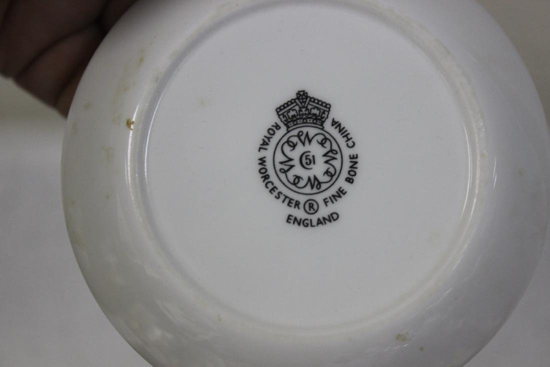 A Royal Worcester Bone China Dishes - 5