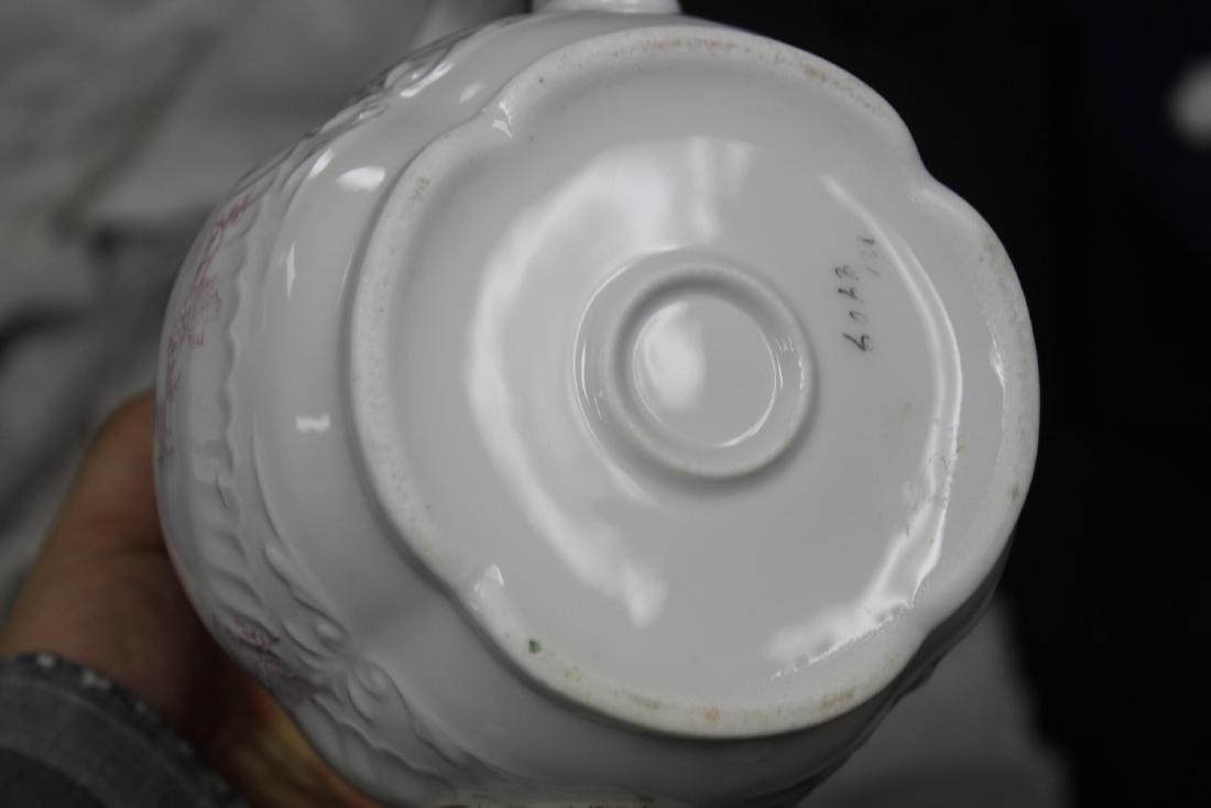 A Large Antique Teapot - 8