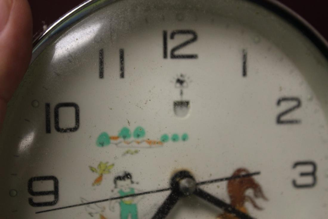 A Vintage Chinese Clock - 4