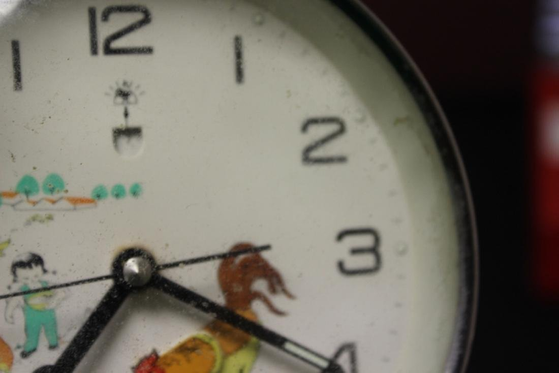 A Vintage Chinese Clock - 5