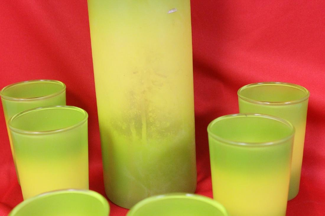 Set of Retro Glasses and Pitcher - 4