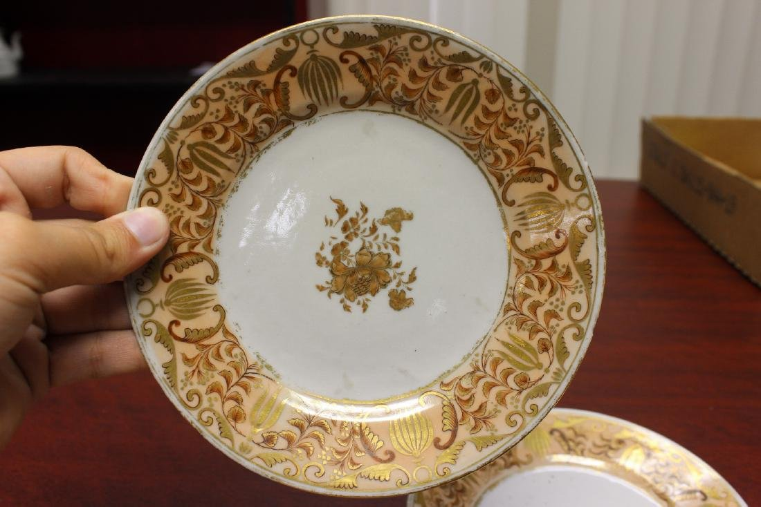A Pair of Chinese Export Plates - 2