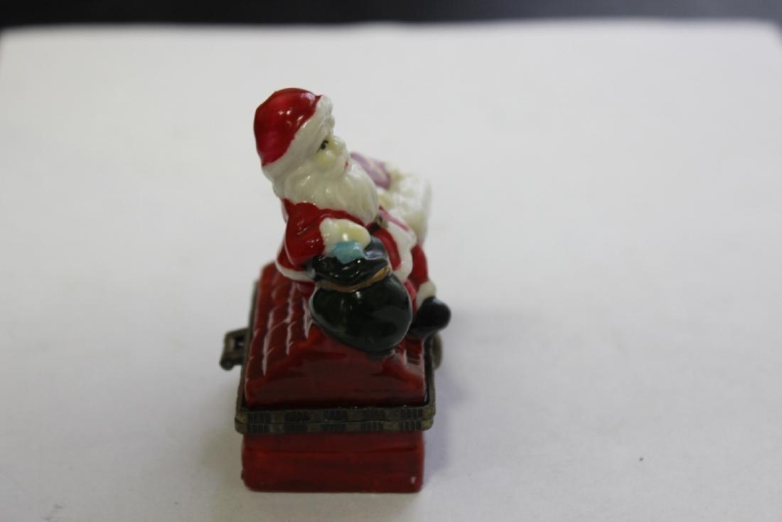 A Porcelain Santa Claus Trinket Box - 2