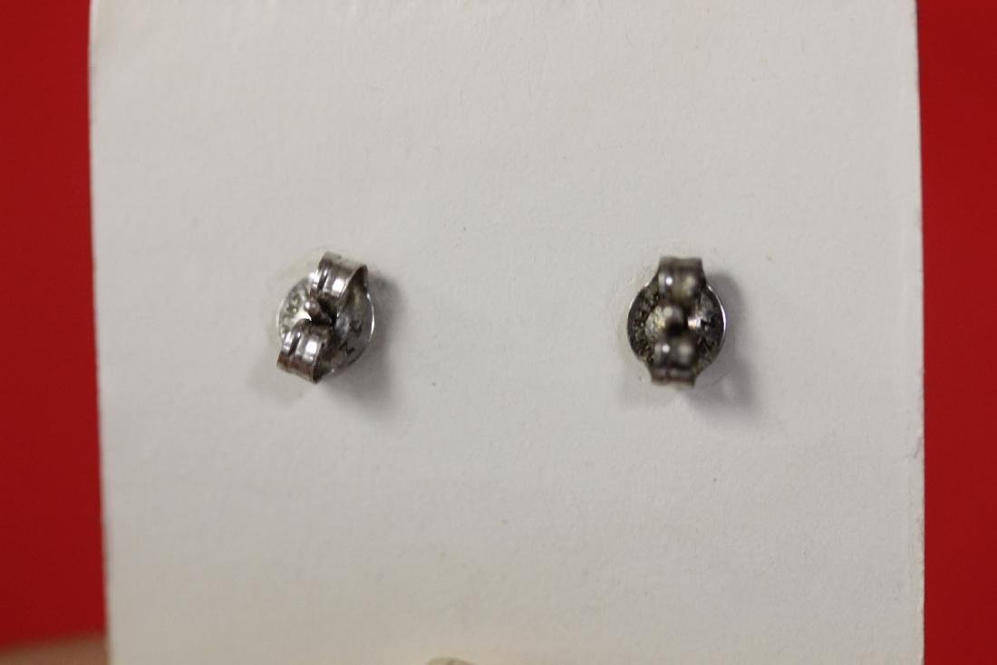 A Pair of Sterling Silver Earrings - 2