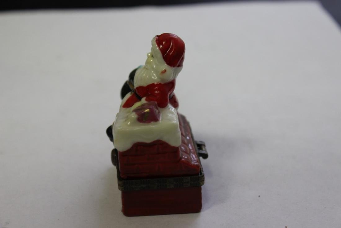 A Porcelain Santa Claus Trinket Box - 4