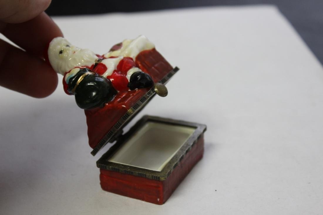 A Porcelain Santa Claus Trinket Box - 6