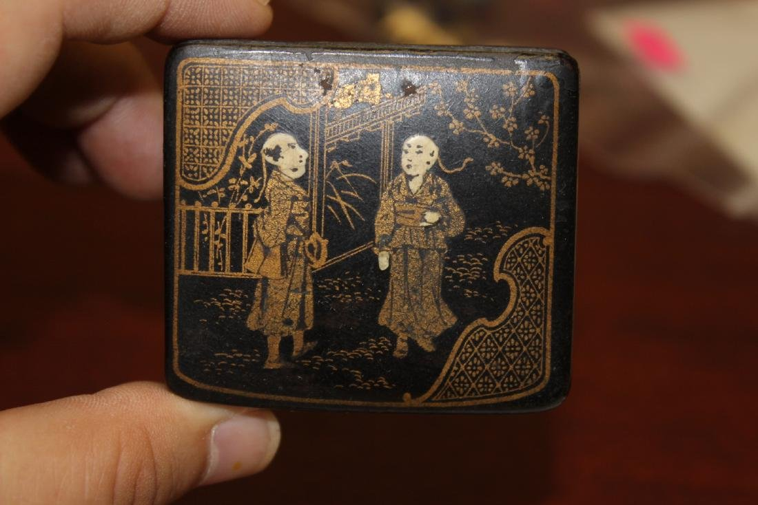 A Chinese Export Black Lacquer Box - 7