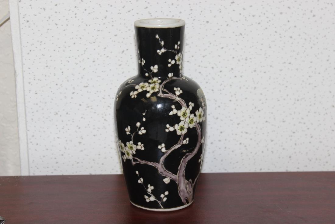 An Antique/Vintage Chinese Famille Noire Vase