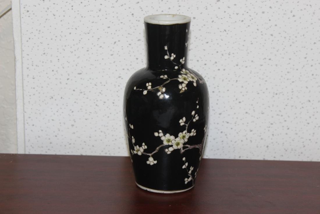 An Antique/Vintage Chinese Famille Noire Vase - 5