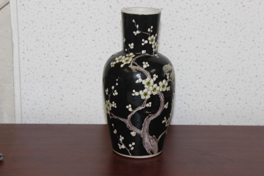 An Antique/Vintage Chinese Famille Noire Vase - 6