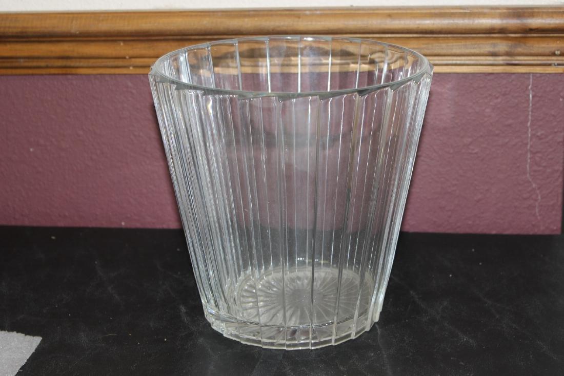 A Glass Ice Bucket? - 3
