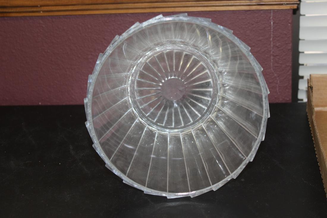A Glass Ice Bucket? - 4