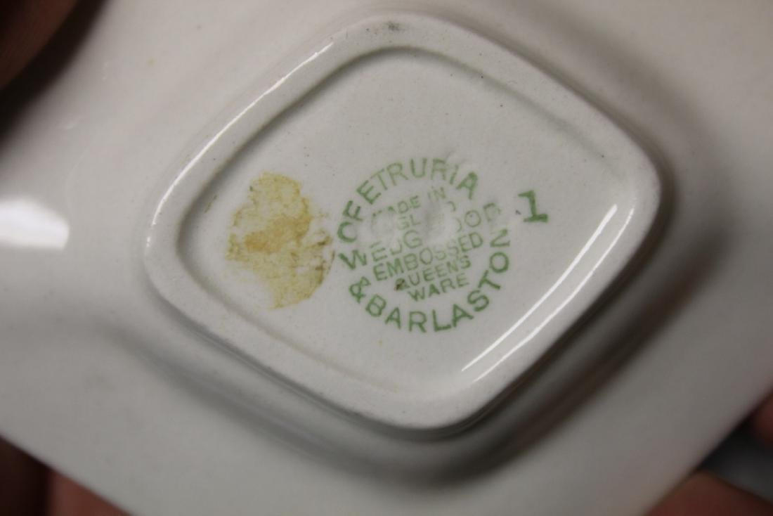 Lot of Two Wedgwood Queensware Persona Ashtrays - 4