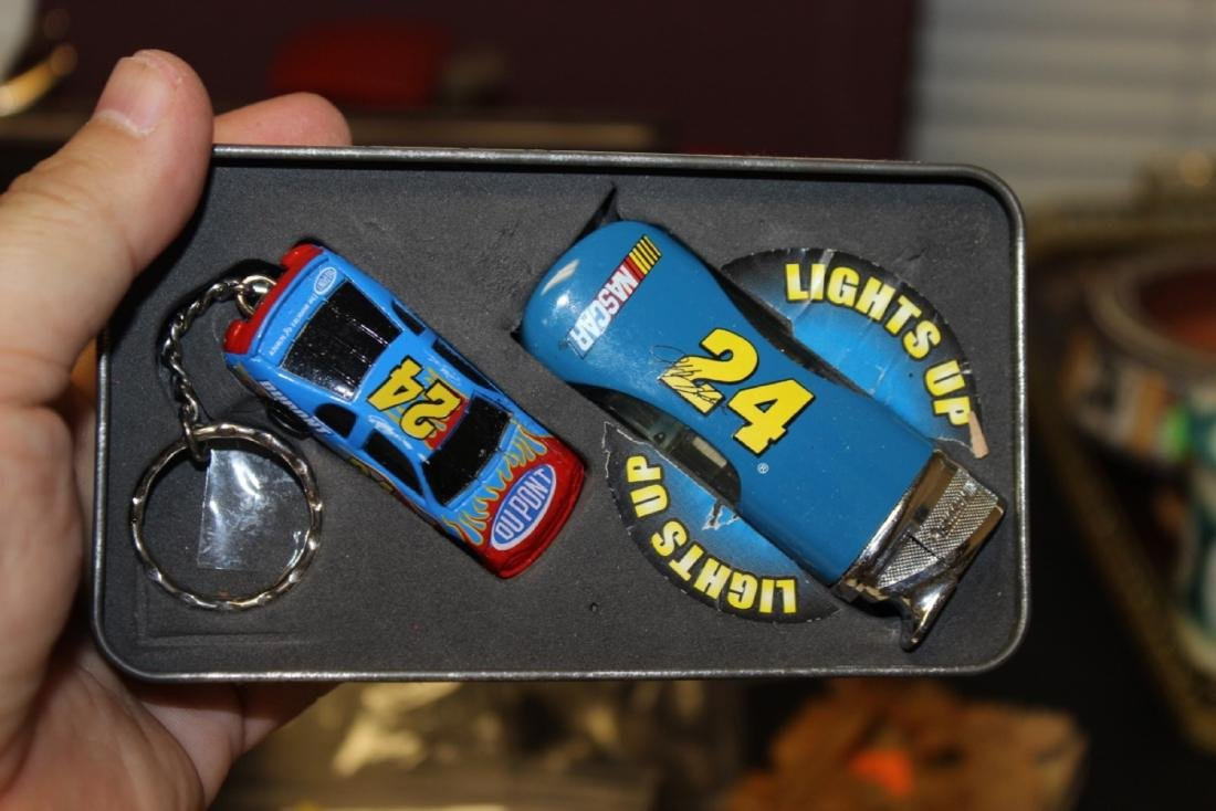 Jeff Gordon #24 Lighter and Keychain - 2