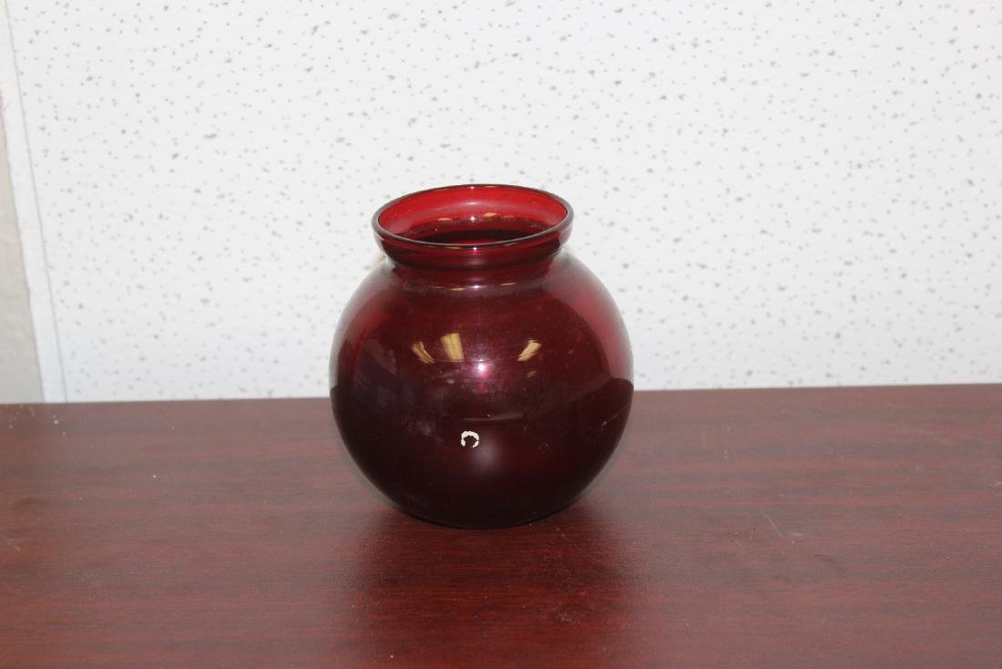 A Ruby Red Glass Vase - 5