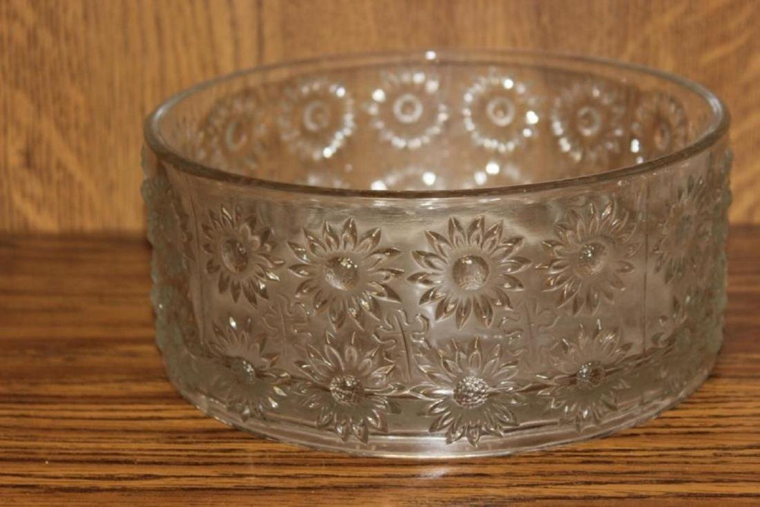 An EAPG (?) (Eary American Pattern Glass) Round Bowl