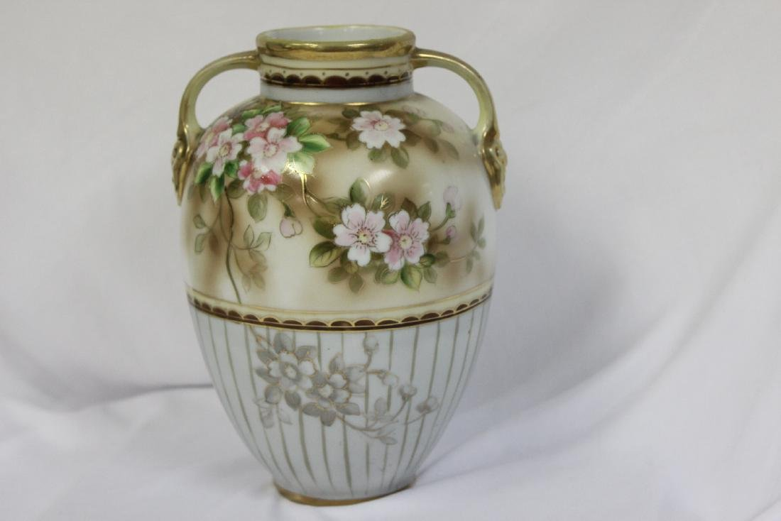 A Japanese Nippon Vase - 3