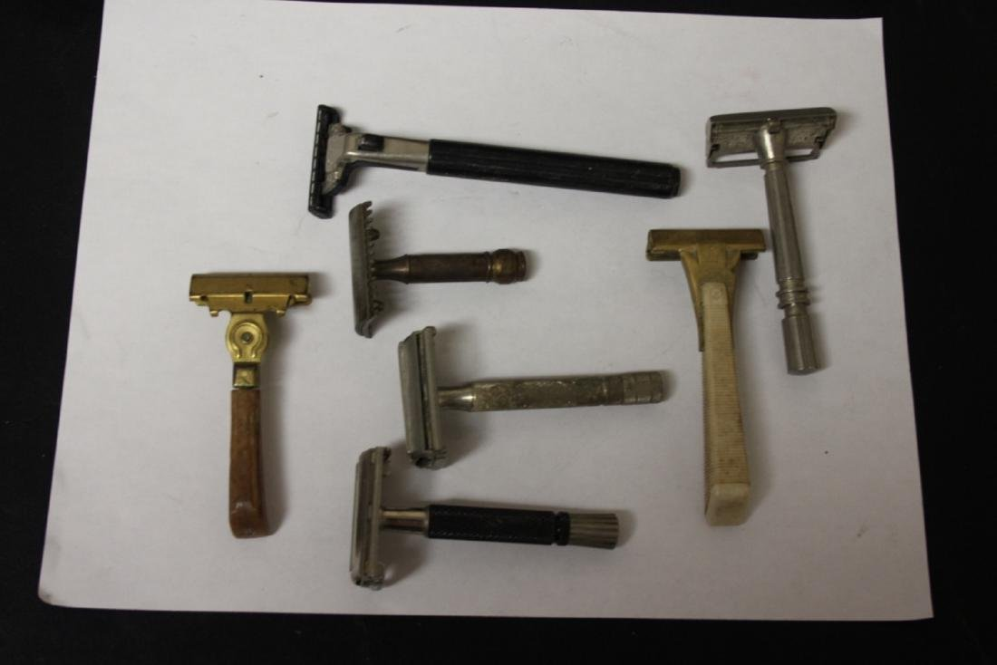A Lot of Vintage Razors