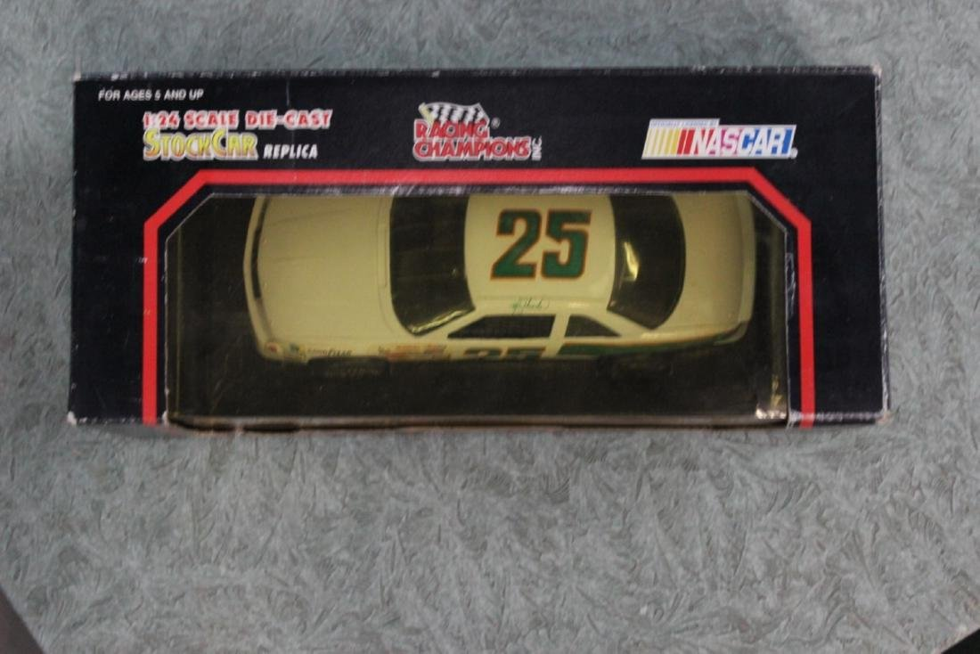 Die Cat Model Car - #25 Ken Schrader - 3