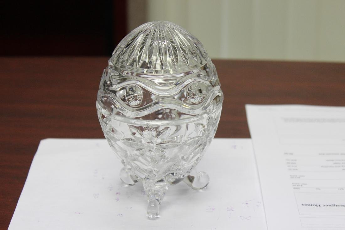 A Glass Egg With 3 Legs - 4