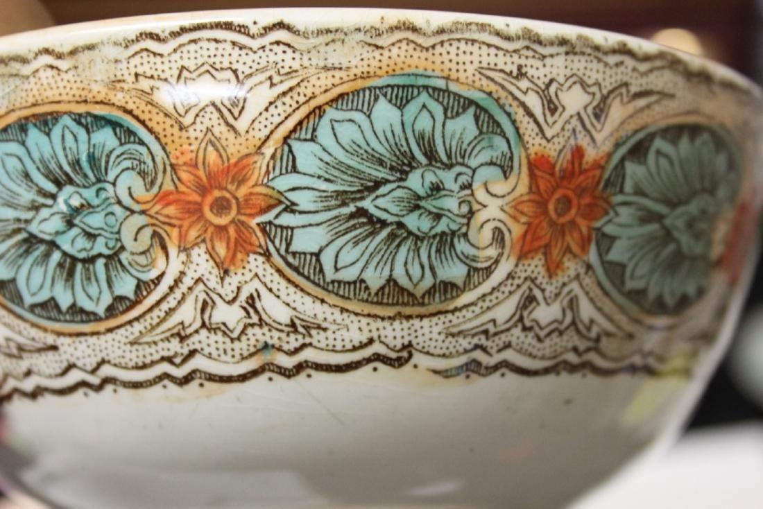 An Antique/Vintage Ceramic Bowl - 5