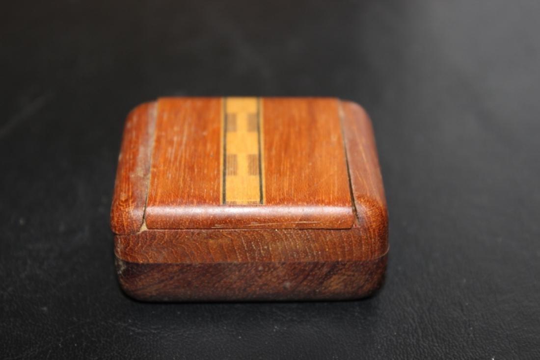 An Inlay Sliding Wood Box