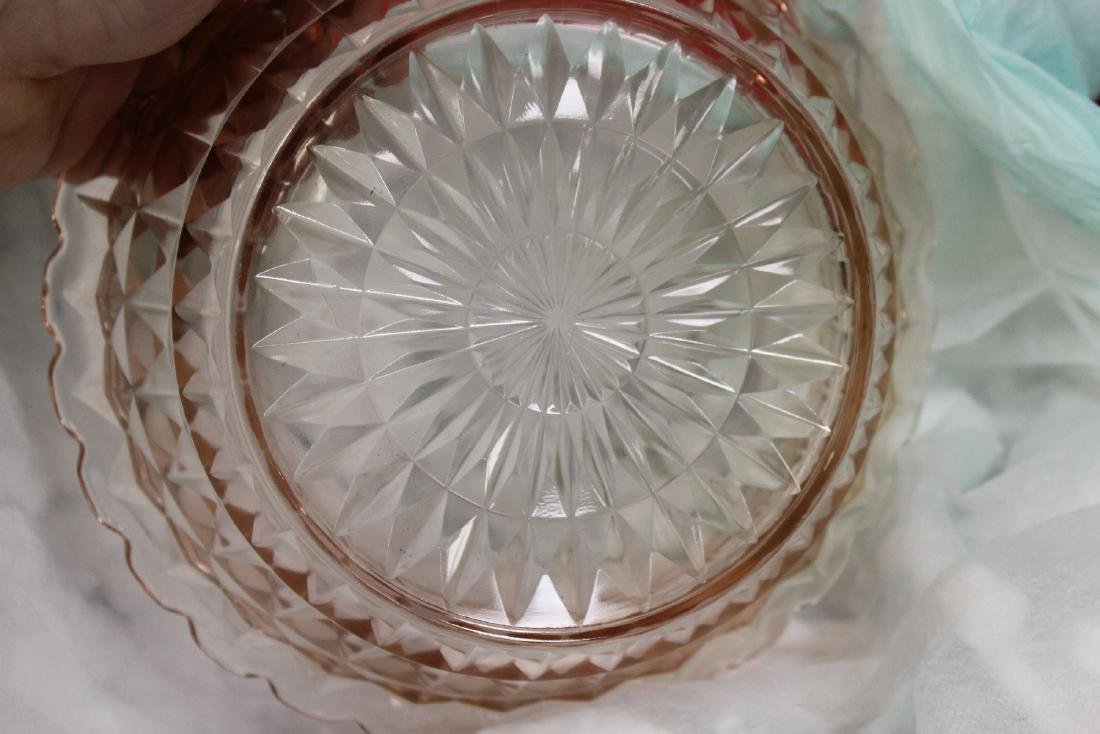 A Fostoria Pink Depression Glass Bowl - 2